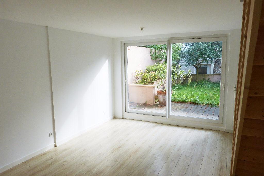 Appartement/maison  Colombes les vallées 4 pièce(s) 95 m2 au sol