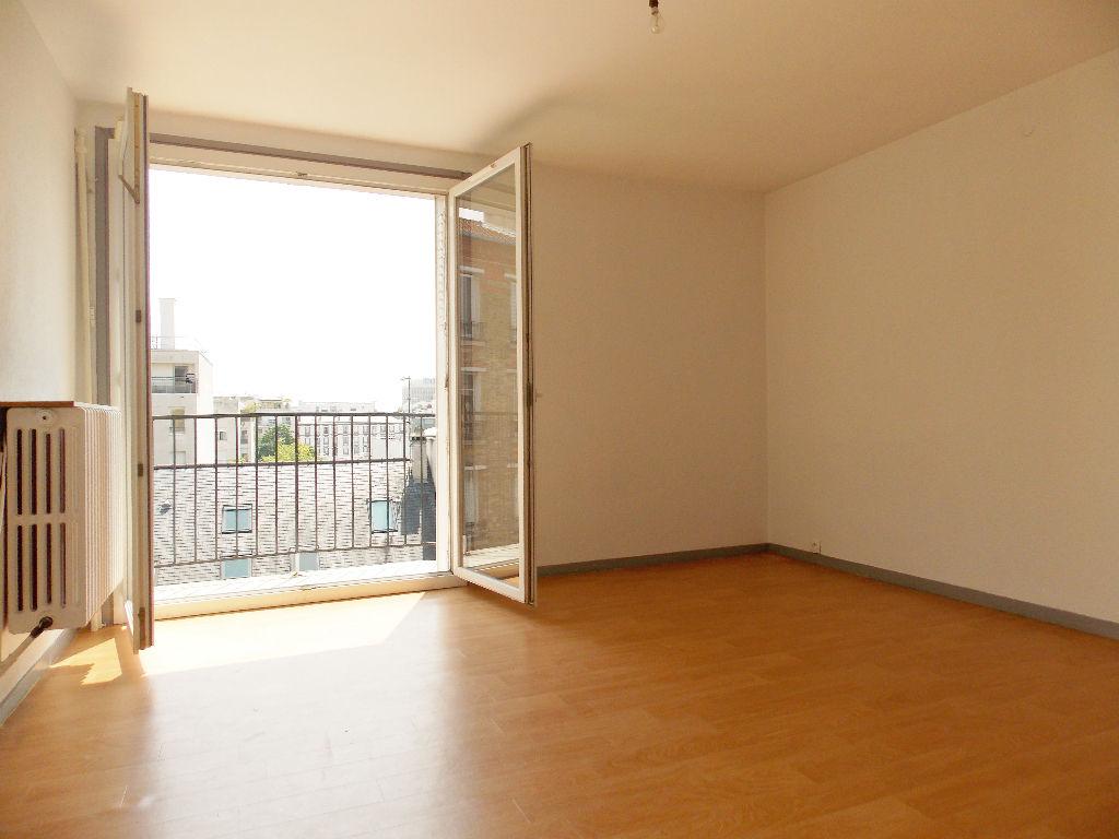 Appartement Suresnes 1 pièce(s) 34.20 m2