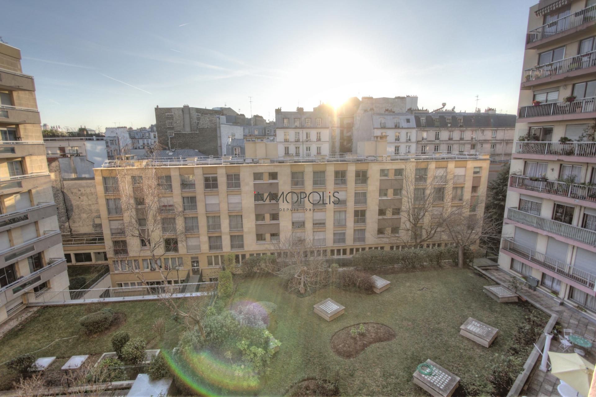 Vente Appartement de 2 pièces 46 m² - PARIS 75018 | IMMOPOLIS RAVIGNAN - AR photo2