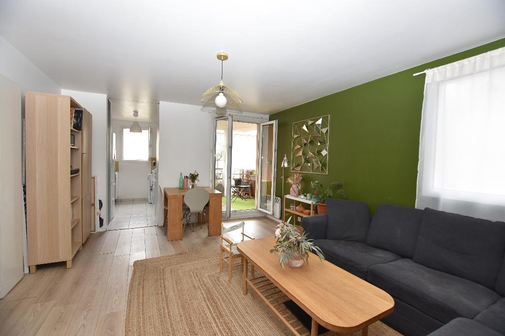 Vente Appartement de 3 pièces 59 m² - SAINT OUEN SUR SEINE 93400   LBI - AR photo1