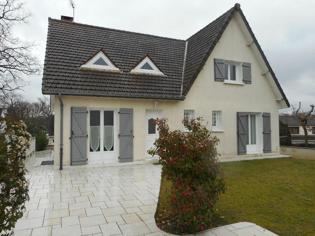 Maison Lacroix Saint Ouen 6 pièce(s) 143 m2  ( 6)