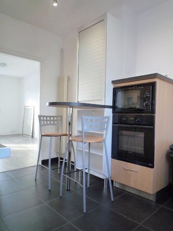 appartement quimper 3 pi ce s 67 33 m2 quimper 29000. Black Bedroom Furniture Sets. Home Design Ideas