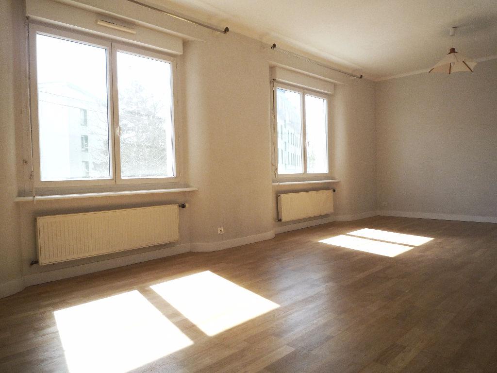 appartement quimper 2 pi ce s 57 62 m2 quimper 29000. Black Bedroom Furniture Sets. Home Design Ideas