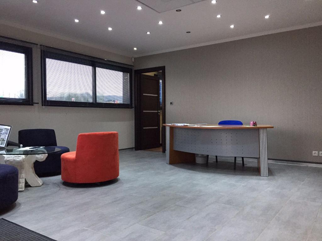 local commercial avec entrep t quimper 536 m2 quimper 29000. Black Bedroom Furniture Sets. Home Design Ideas