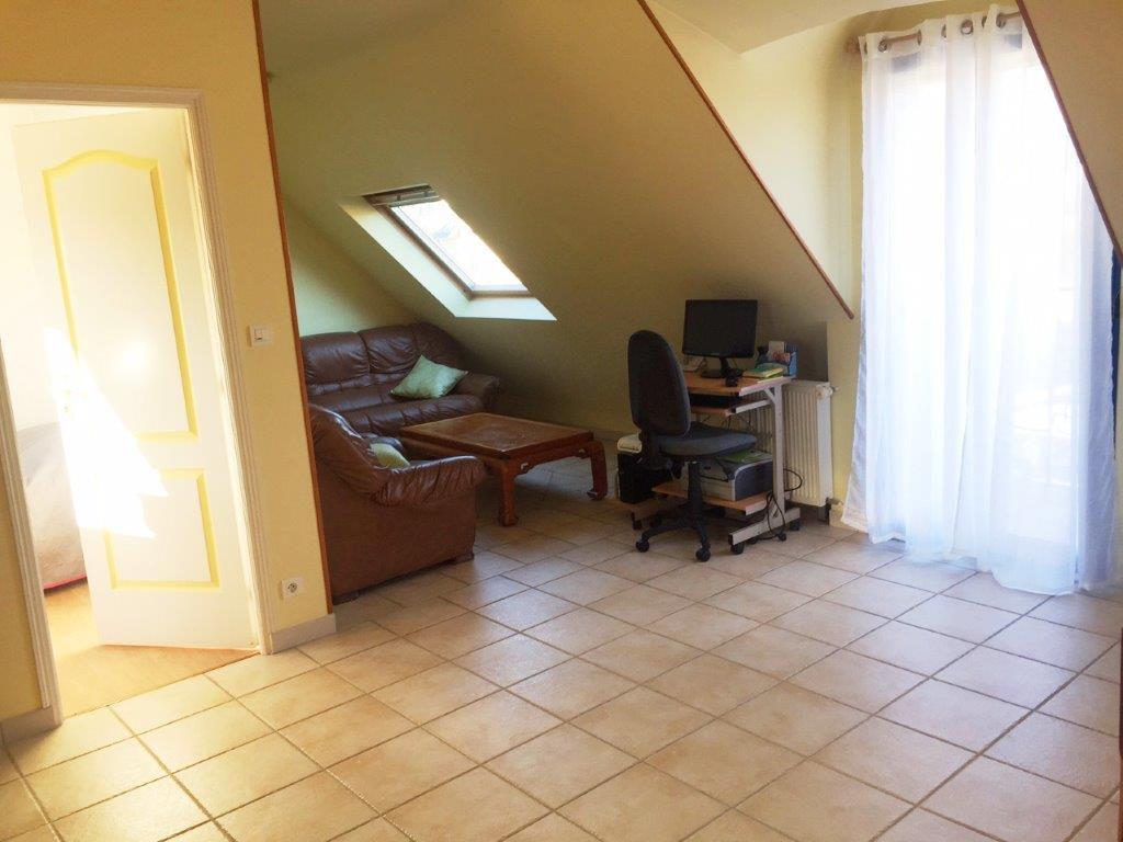 prat ar rouz maison de 2001 rez de jardin en parfait. Black Bedroom Furniture Sets. Home Design Ideas
