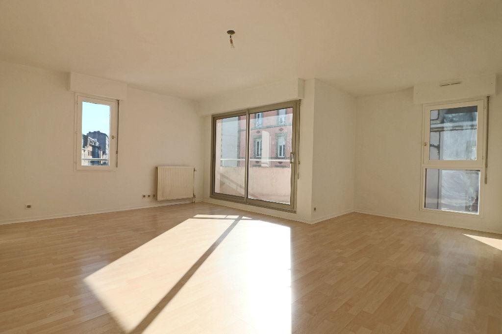 photo de Appartement Quimper   3 piece(s)   73 m2