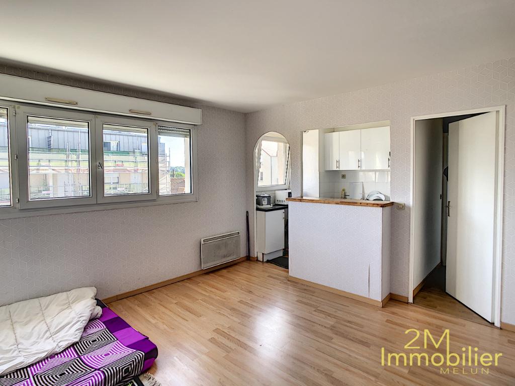 Sale apartment Melun 145000€ - Picture 2