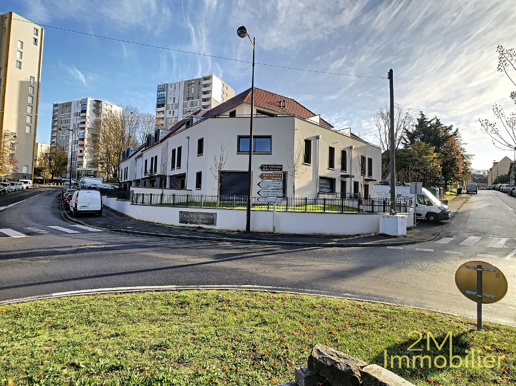 Location appartement Melun 459€ CC - Photo 1