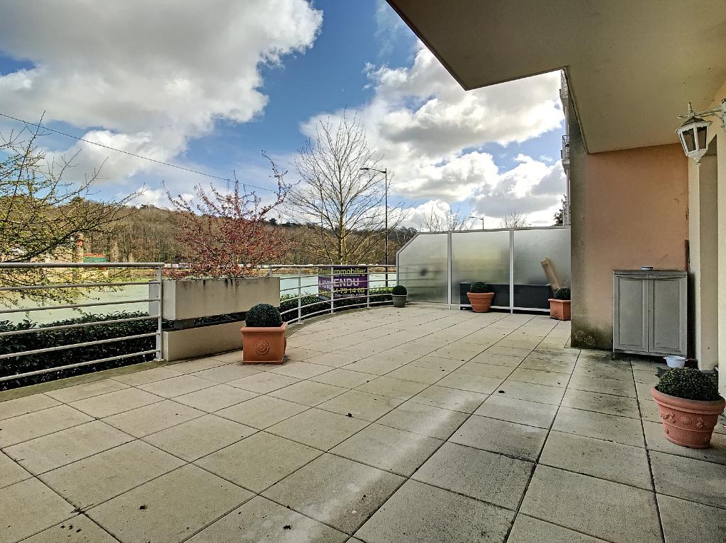 Appartement Melun 4 pièces 89 m2 bord de Seine visite 360° sur 2