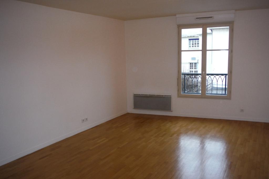 Location appartement Melun 750€ CC - Photo 3