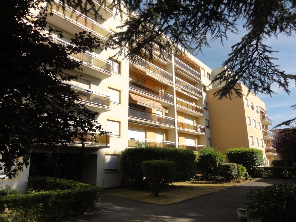 Sale apartment Melun 211 000€ - Picture 1