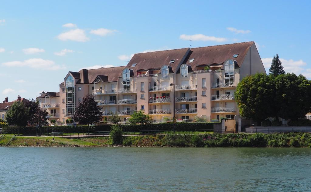 Appartement A Louer à  Melun 2 pièces 58.95 m2