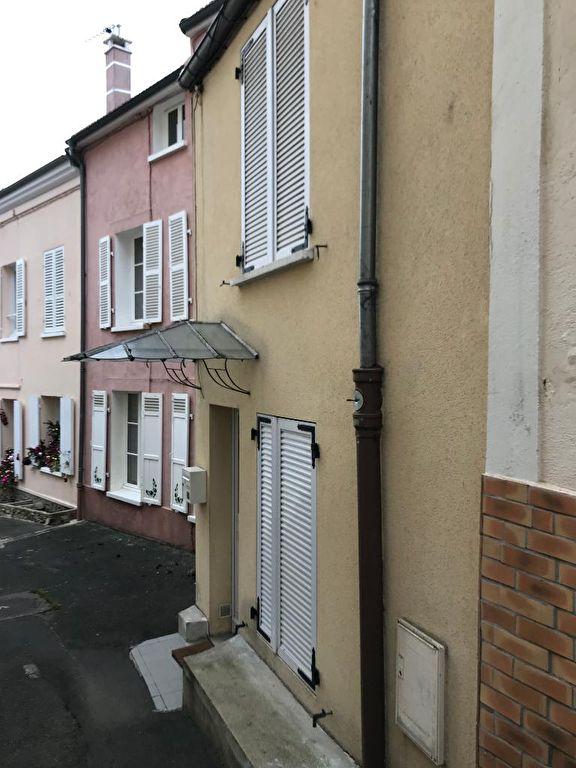 Sale house / villa Maisons laffitte 325000€ - Picture 1