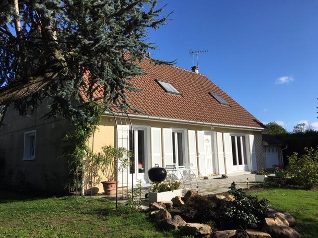 Sale house / villa Le mesnil le roi 1045000€ - Picture 1