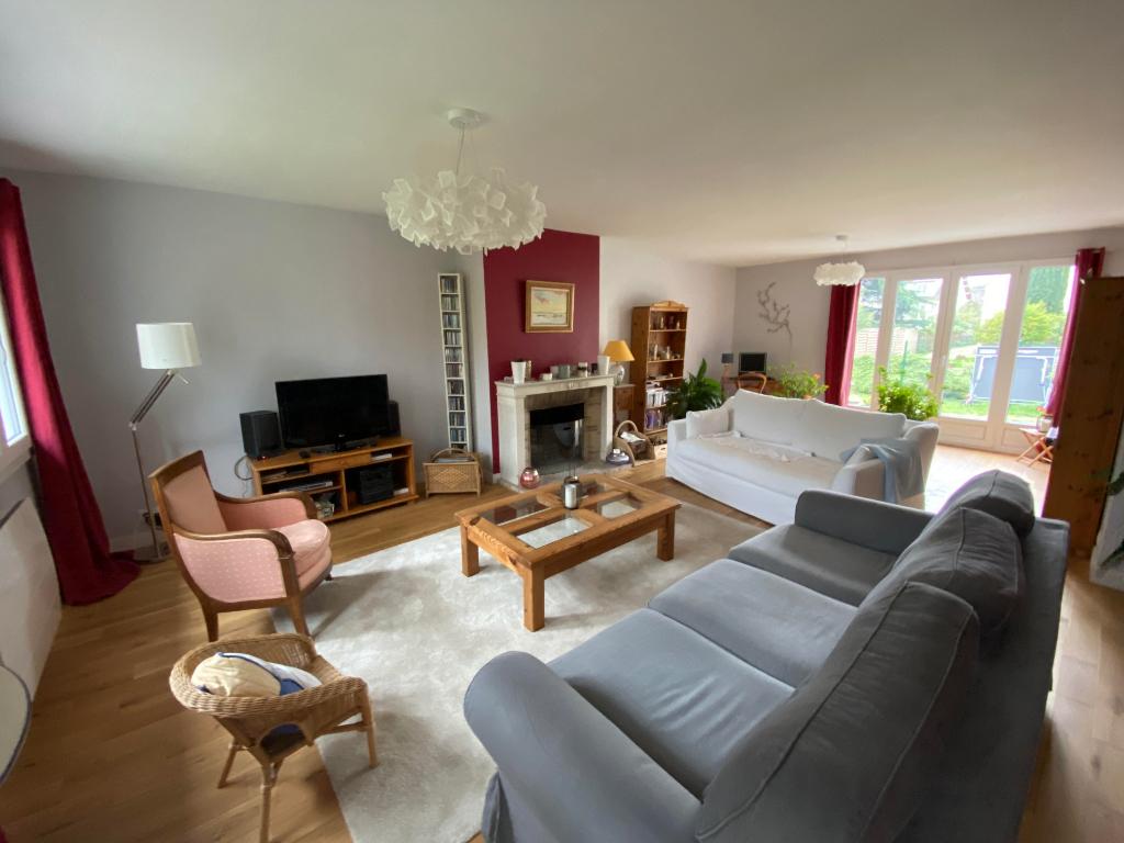Sale house / villa Le mesnil le roi 1045000€ - Picture 3