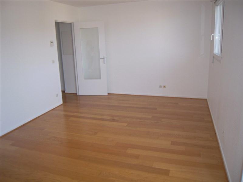 Location appartement Acheres 674,58€ CC - Photo 1
