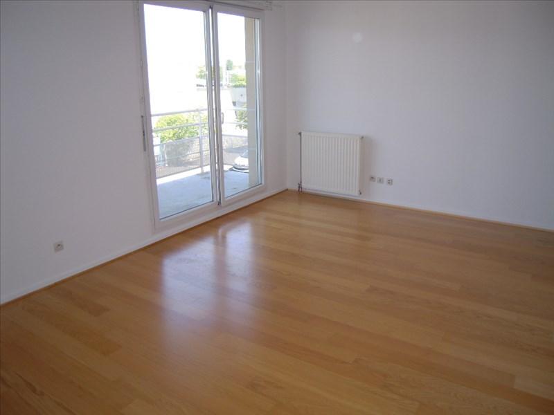 Location appartement Acheres 674,58€ CC - Photo 4