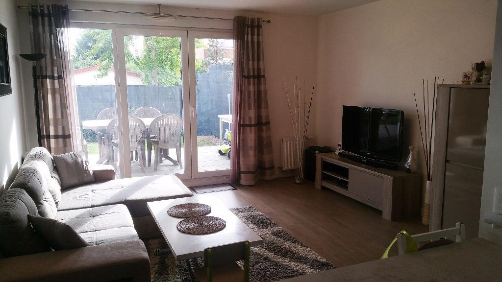 Location appartement Acheres 1069,73€ CC - Photo 2