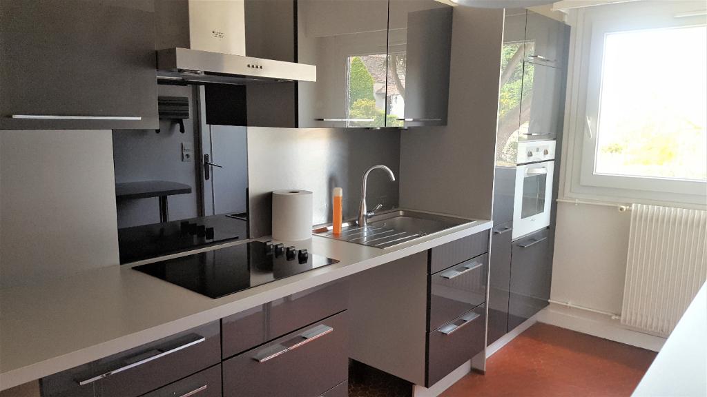 Location appartement Chambourcy 1960,81€ CC - Photo 1