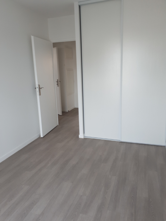 Location appartement Carrieres sous poissy 945€ CC - Photo 5