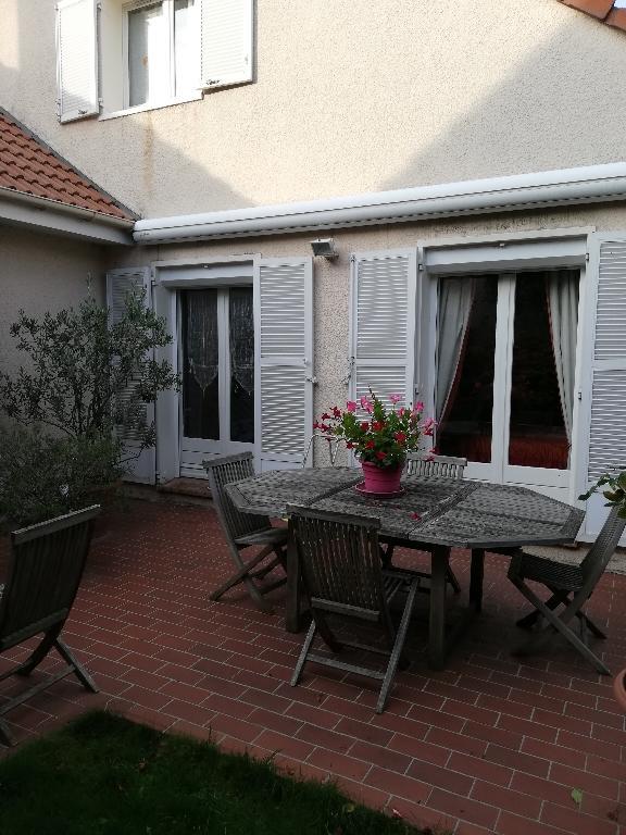 Sale house / villa Franconville 416000€ - Picture 2