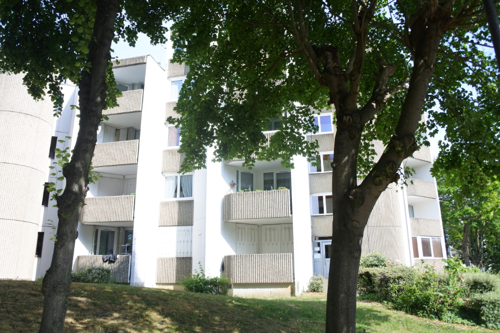 Sale apartment Franconville 117000€ - Picture 2