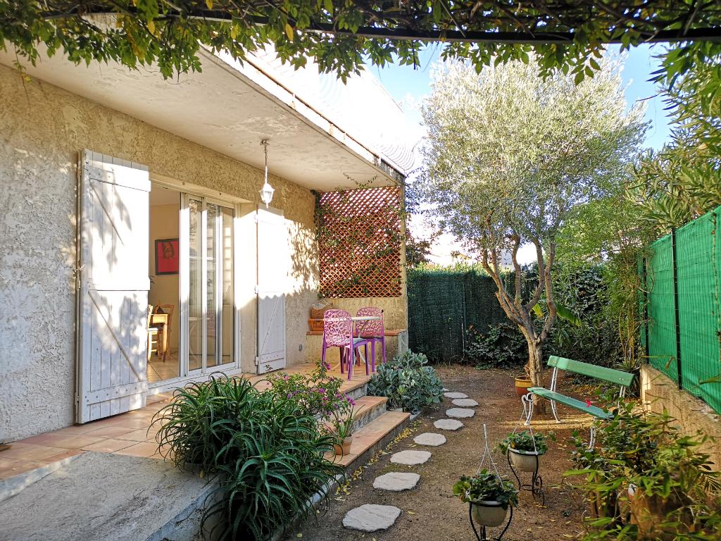 Vendita appartamento Hyeres 367500€ - Fotografia 2