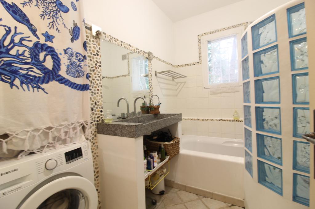 Vendita appartamento Hyeres 367500€ - Fotografia 10