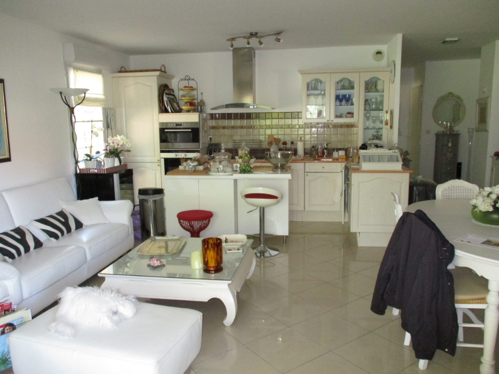 Vente appartement Hyeres 325 500€ - Photo 2