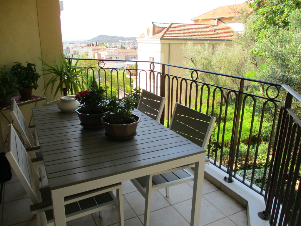 Vente appartement Hyeres 325 500€ - Photo 10