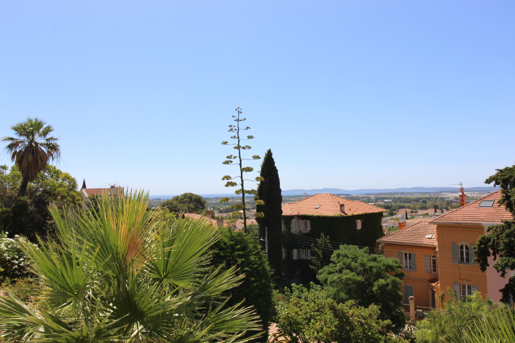 Vente appartement Hyeres 399000€ - Photo 1