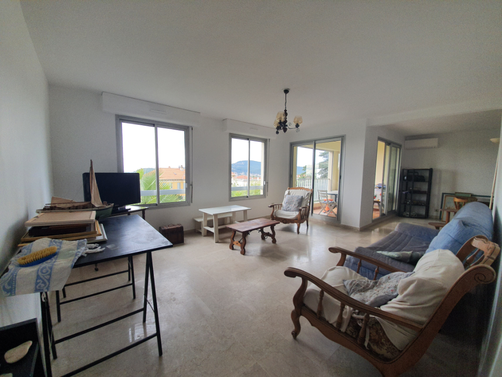 Vente appartement Hyeres 399000€ - Photo 2