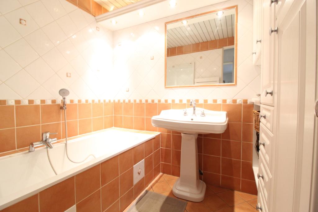 Vente appartement Hyeres 690000€ - Photo 10