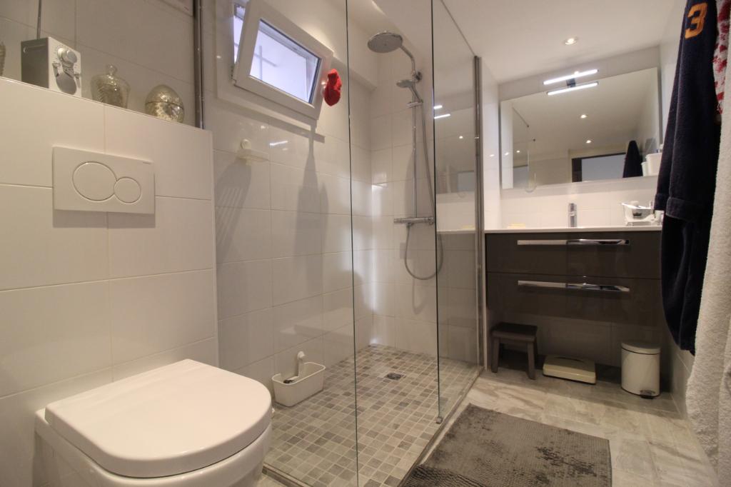 Vente appartement Hyeres 690000€ - Photo 13
