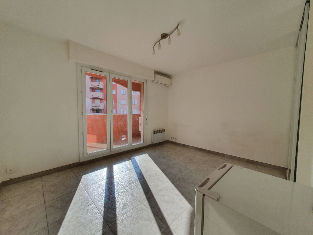Vente appartement Hyeres 125 100€ - Photo 2