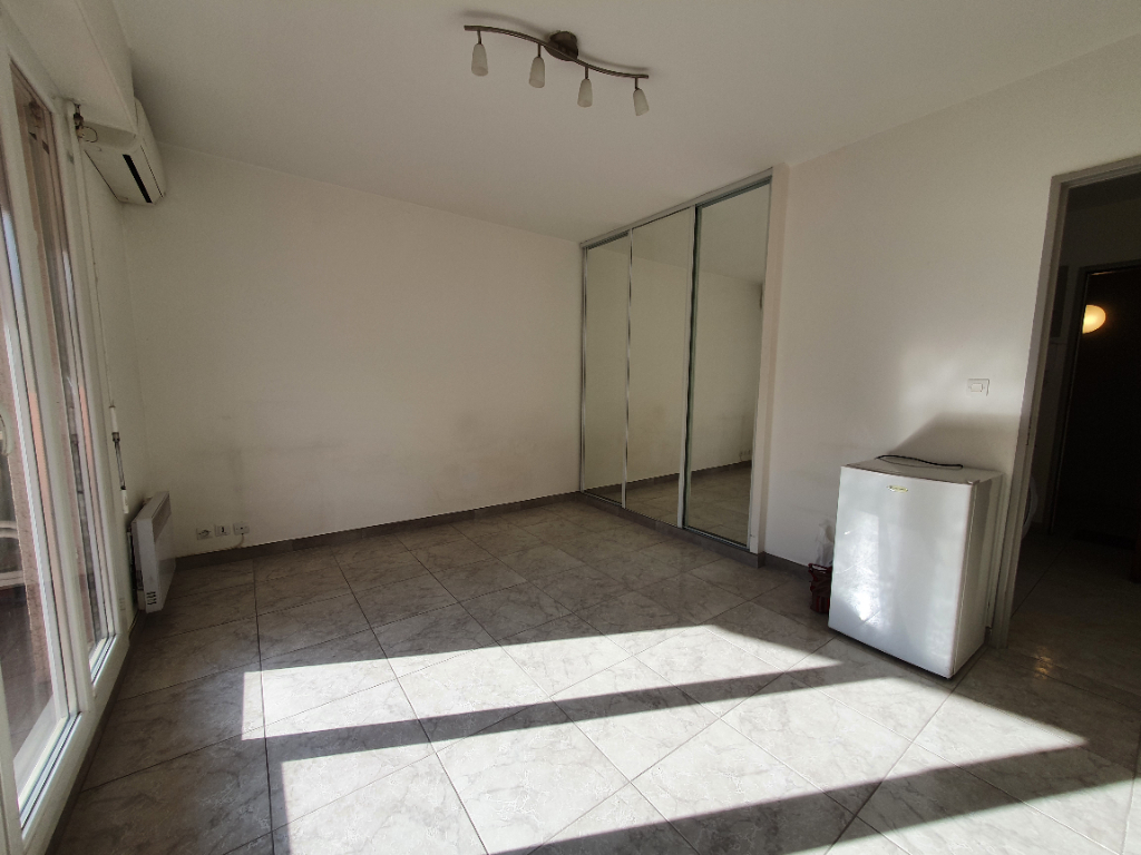 Vente appartement Hyeres 125 100€ - Photo 3