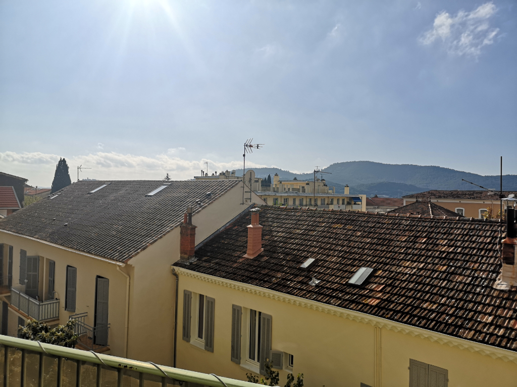 Vente appartement Hyeres 325 500€ - Photo 16