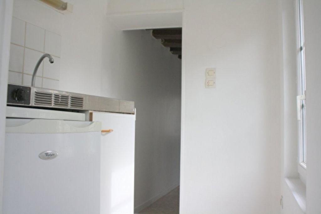 Appartement 2 pièces - PLACE DES CARMES