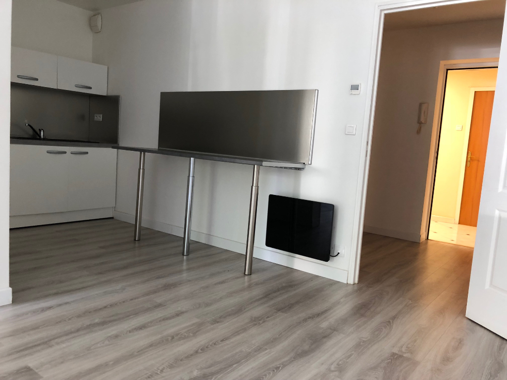 Appartement rénové   REIMS