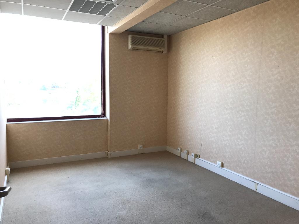 Sale empty room/storage Saint paul les dax 245260€ - Picture 2