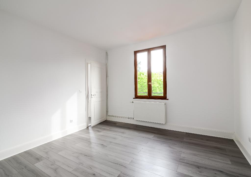 Image de présentation de EXCLUSIVITÉ Appartement duplex 5 pièces - Entièrement rénové !