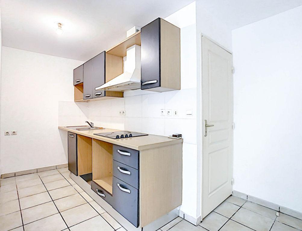Rental apartment Sainte clotilde 504€ CC - Picture 2