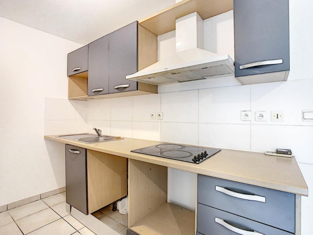Rental apartment Sainte clotilde 504€ CC - Picture 3