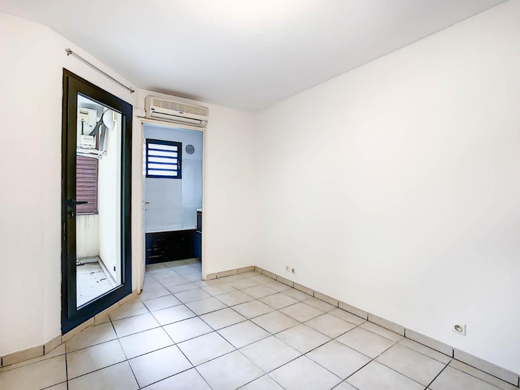 Rental apartment Sainte clotilde 504€ CC - Picture 4
