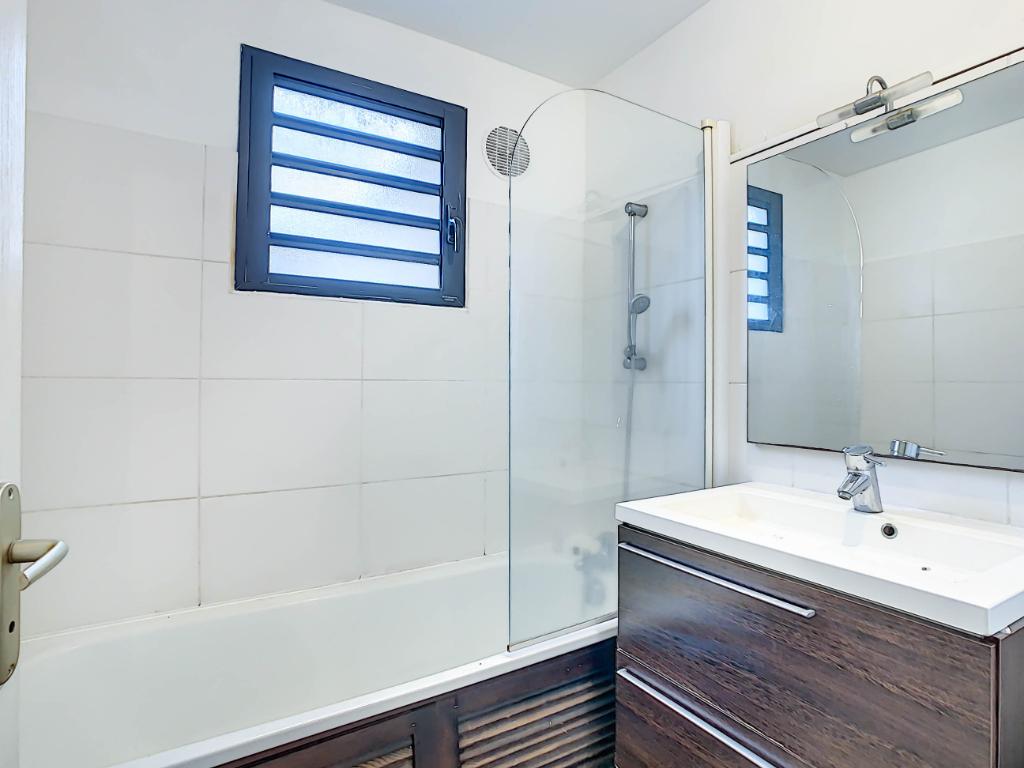 Rental apartment Sainte clotilde 504€ CC - Picture 5