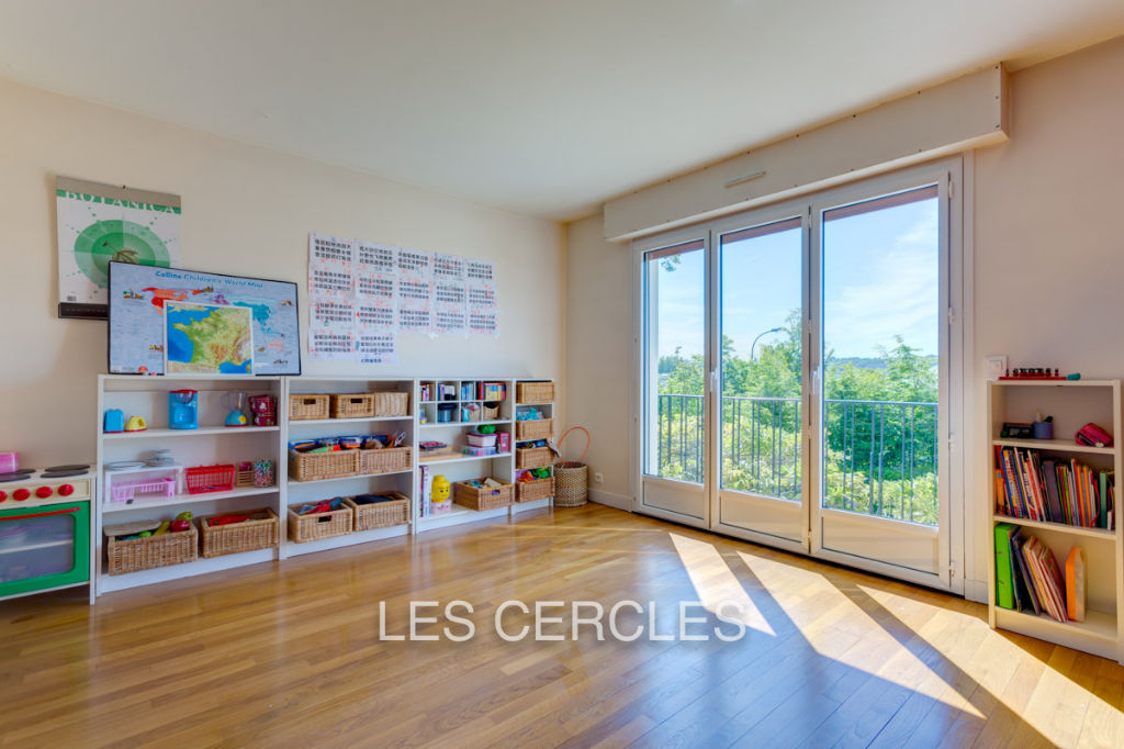 Agence les Cercles - Le Vésinet -  Maison 8 pièces de 200 m²