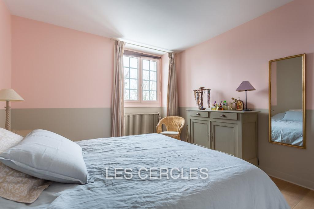 Agence les Cercles - Le Vésinet -  Maison 9 pièces de 240 m²