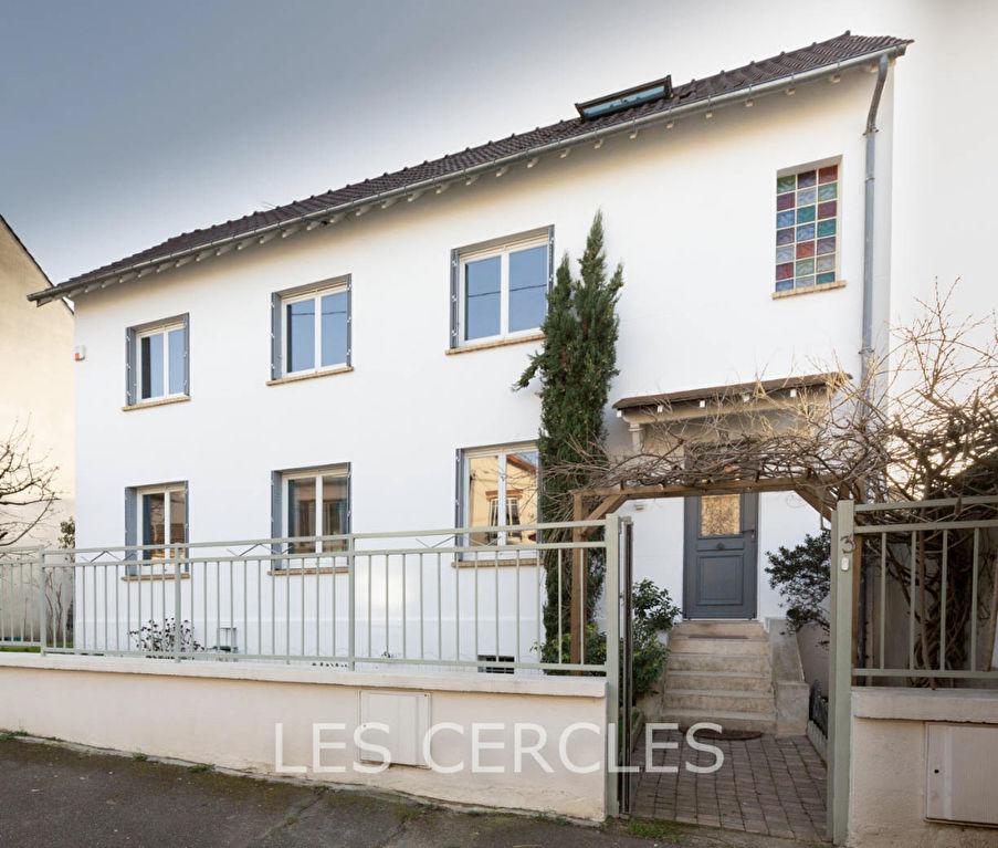 Agence immobilière Le Vésinet - Maison 8 pièces de 180 m² - SARTROUVILLE