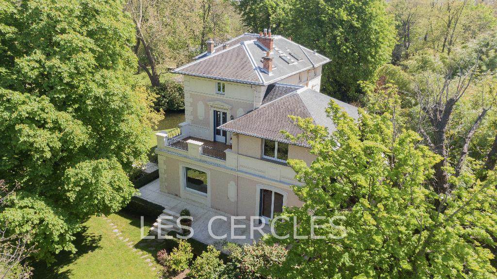 Agence les Cercles - Le Vésinet -  Propriété 10 pièces de 287 m²