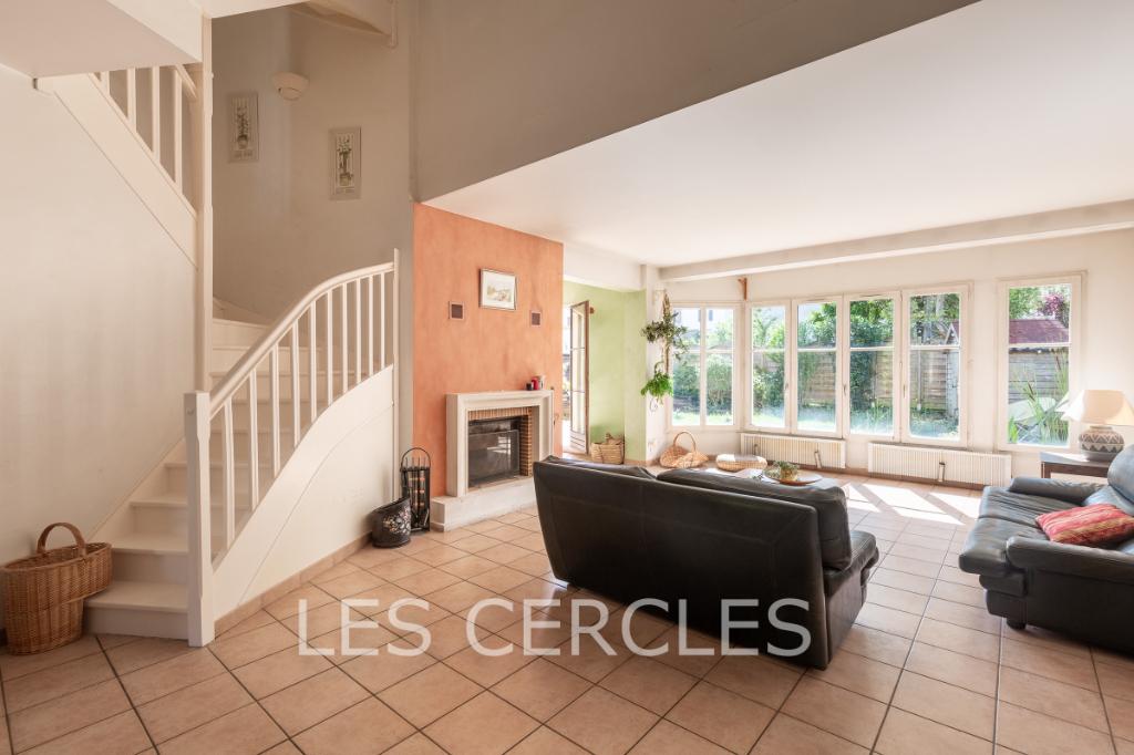 Agence les Cercles - Le Vésinet -  Maison 9 pièces de 230 m²